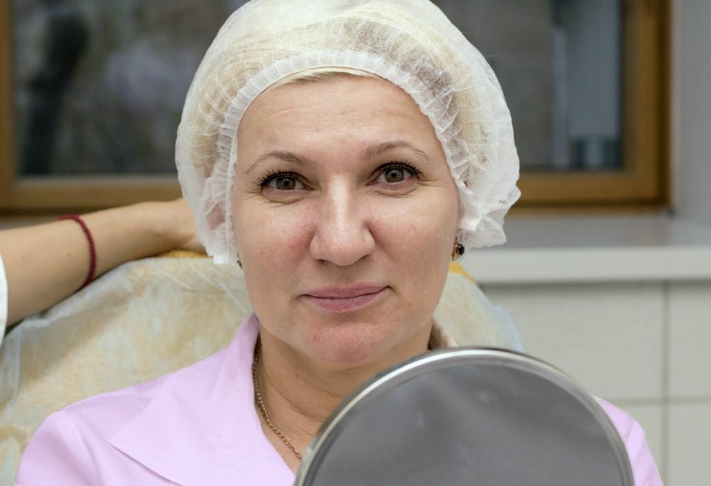 Пластика или косметолог